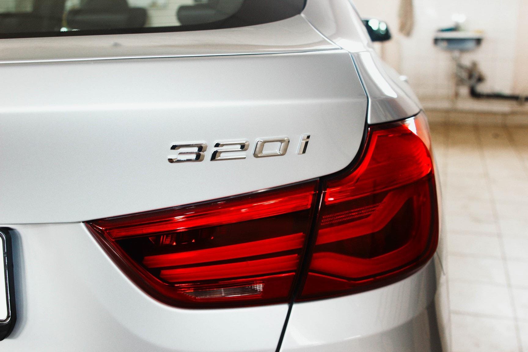 Автомобиль BMW GT 320i