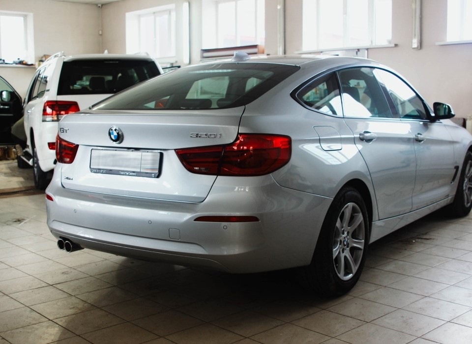 Автомобиль BMW GT 320i — оклеивание пленкой