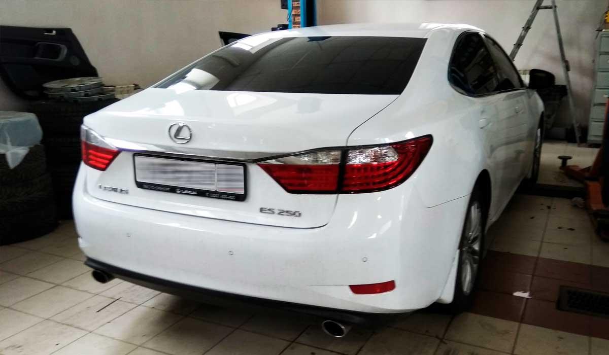 Автомобиль Lexus ES 250